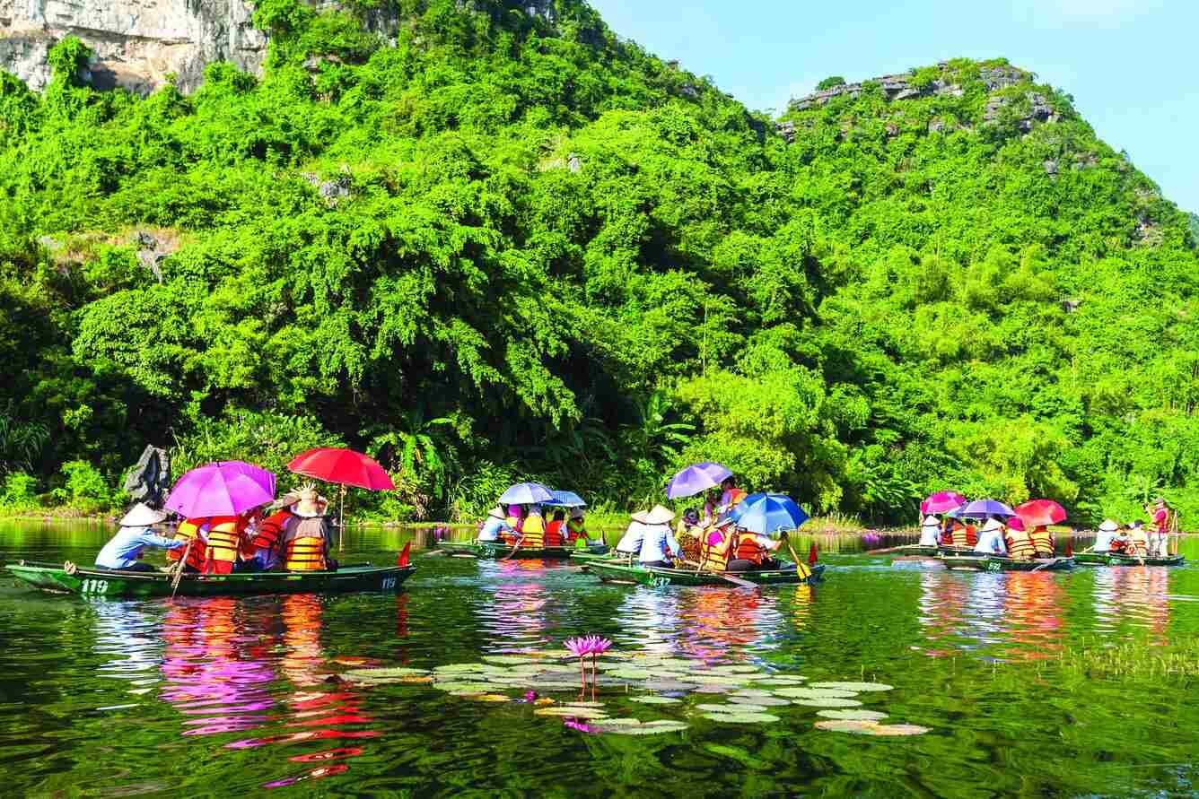 Perfume pagoda day trip - 10+  Unique & Amazing Things To Do In Hanoi, Vietnam (2020)